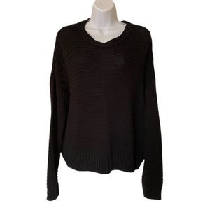 H&M divided black knitted round neck sweater